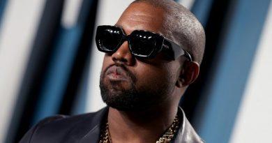 Umuhanzi Kanye west yamaze guhindura amazina ye